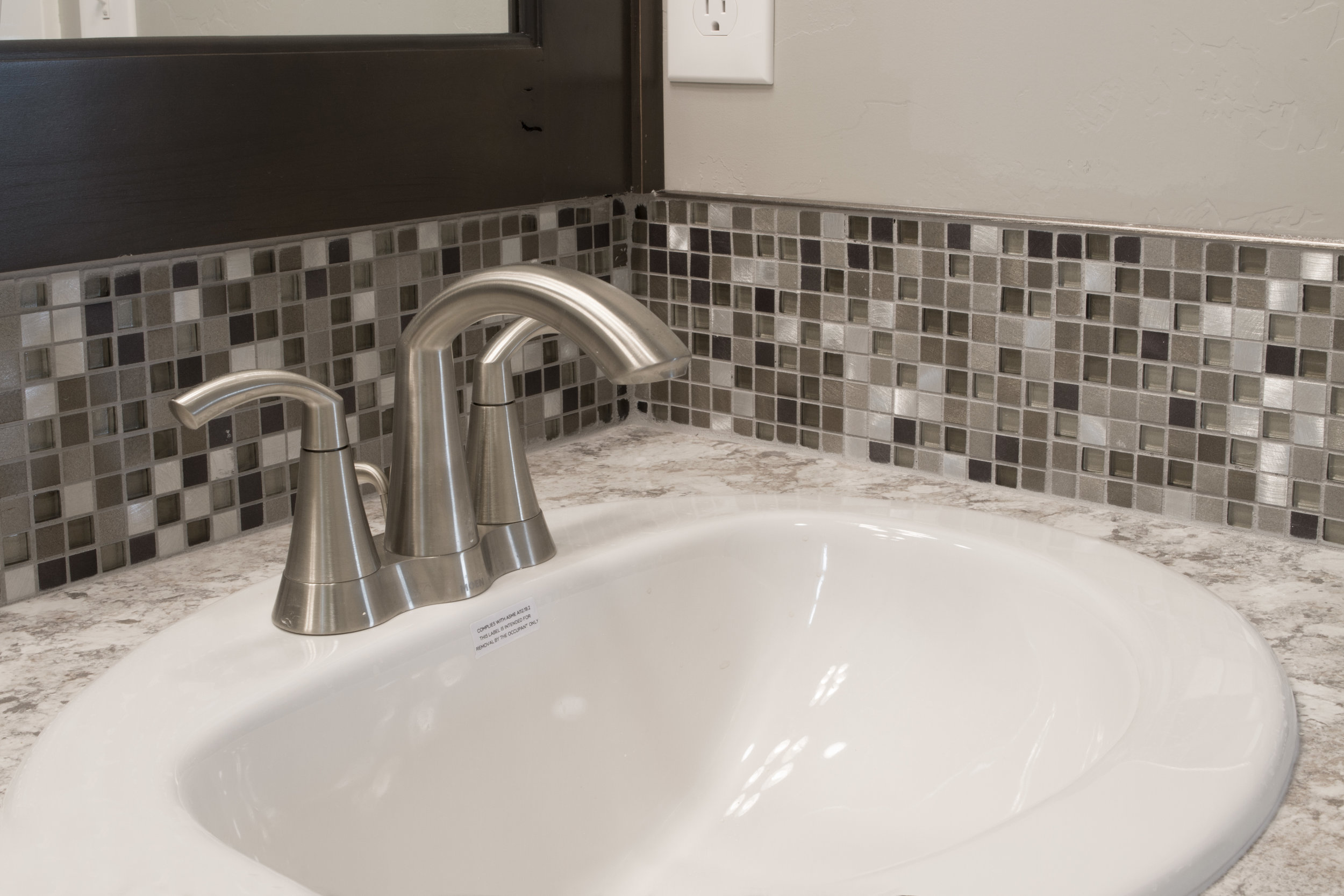 Gray Glass and Metallic Bathroom Backsplash Tile