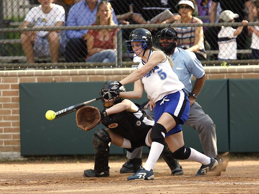 softball-girls-softball-catcher-catcher-s-mitt-163396-1.jpeg