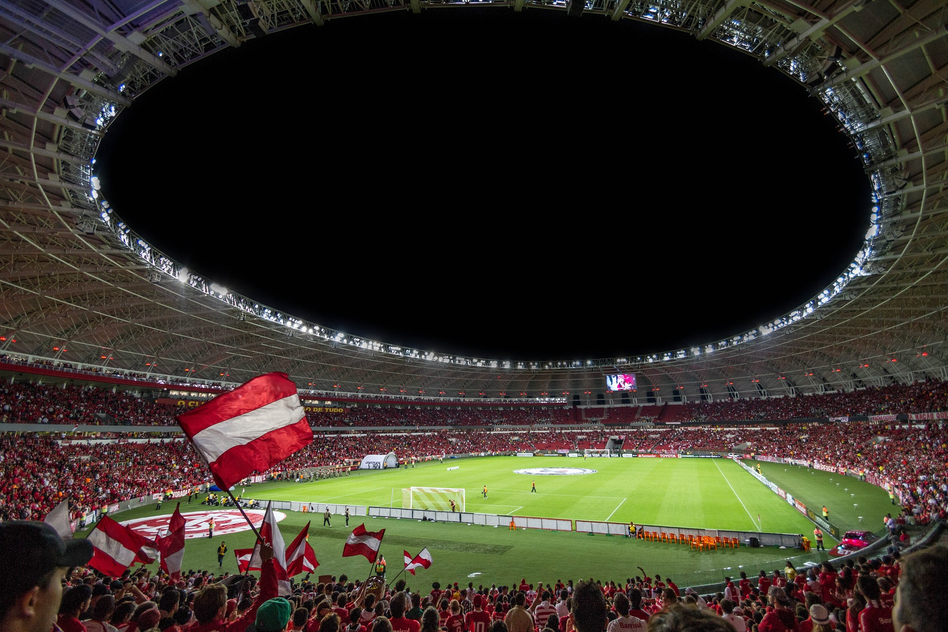 https://pixabay.com/en/people-crowd-sport-stadium-flag-1284253/