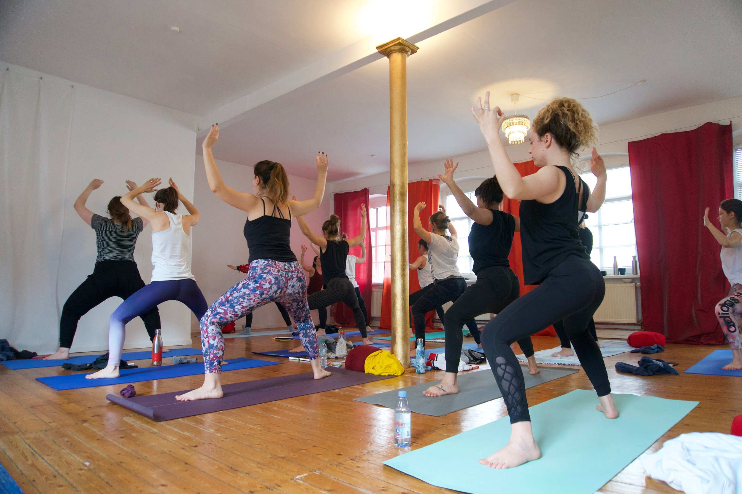 English Expat Yoga Course in Hamburg