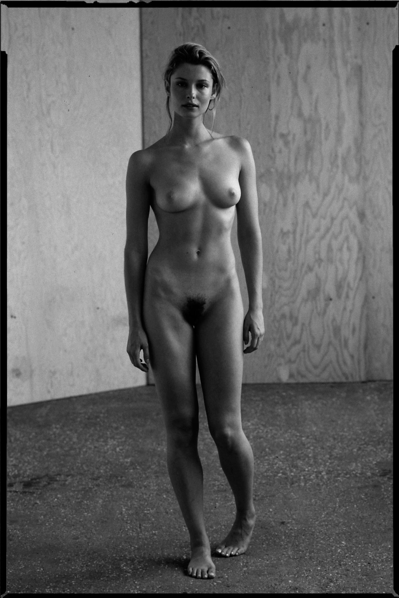 Stefanie naked4X5_2011 copy.jpg