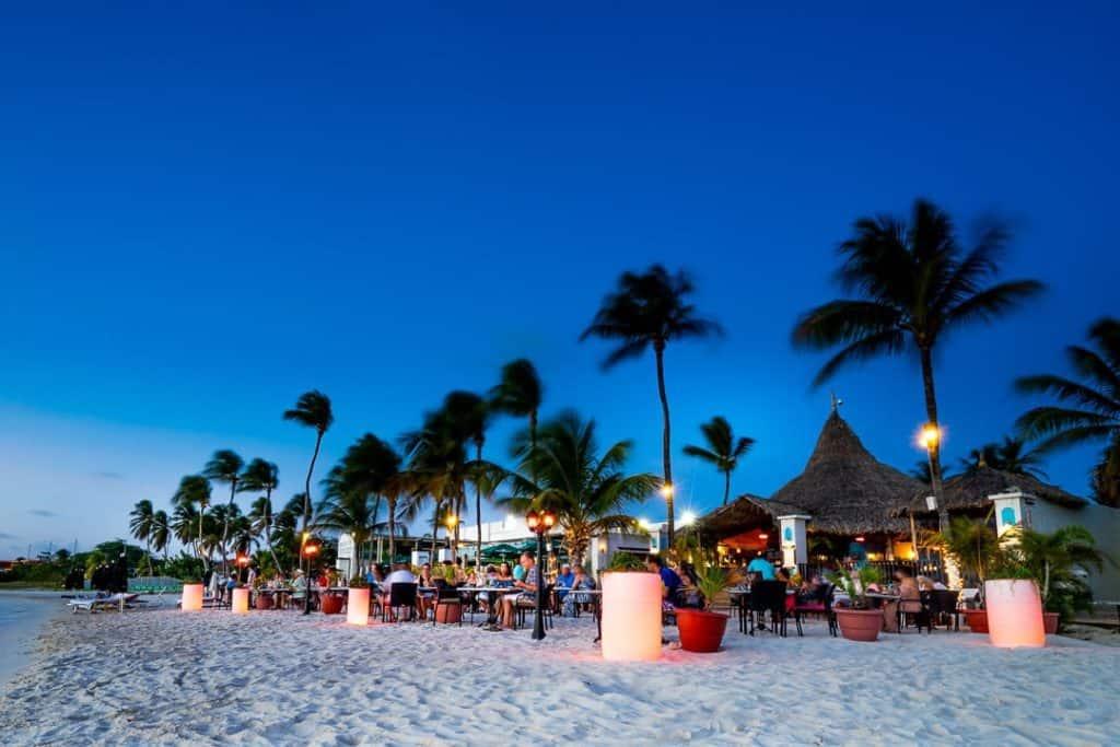 aruba_beach_dining.jpg
