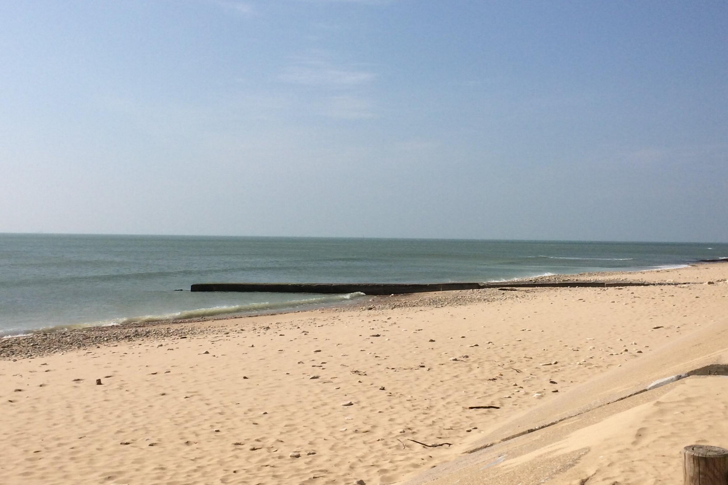 LES PLAGES ILE DE RÉ  S'étendant du nord au sud de l'île, explorez les plages de sable préservées et préservées.