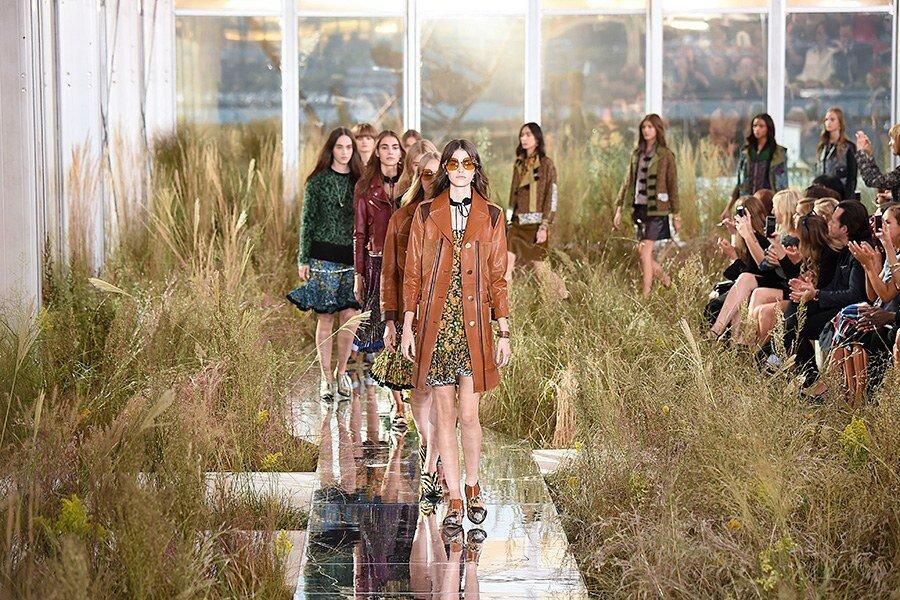 dam-images-set-design-nyfw-2015-new-york-fashion-week-sets-06.jpg