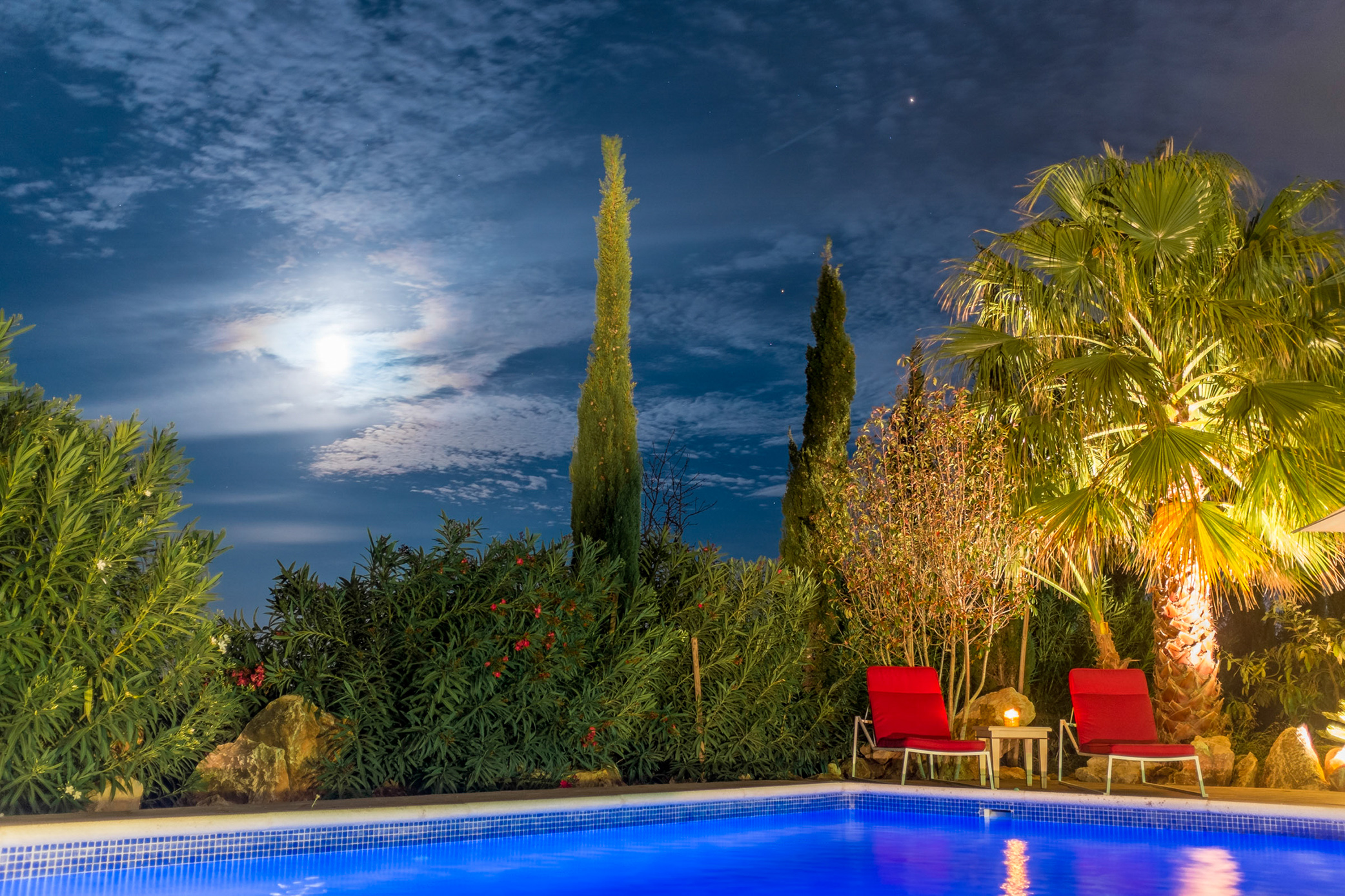 Pool at night2.jpg