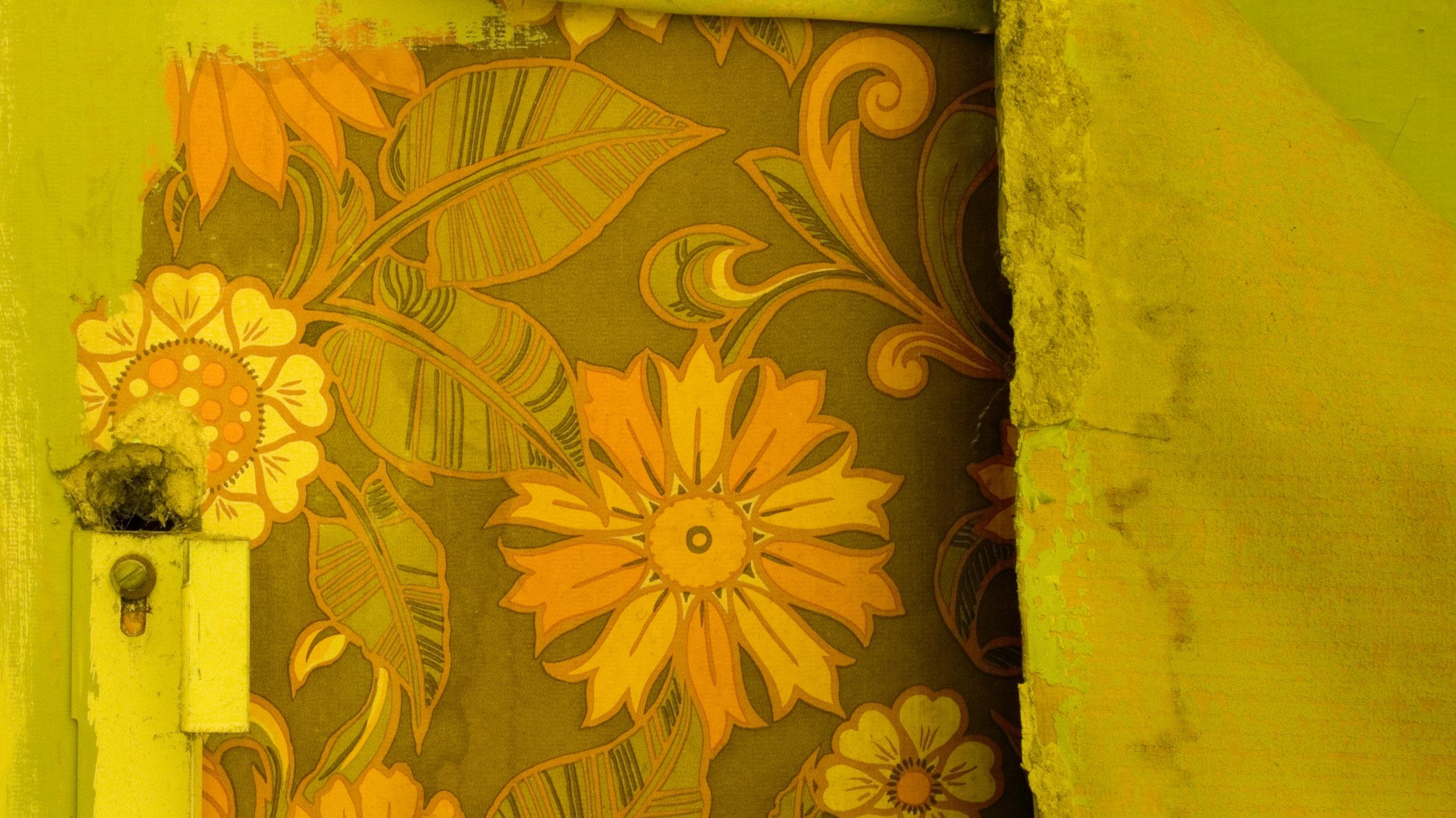 old-wallpaper-e1430757398500.jpg