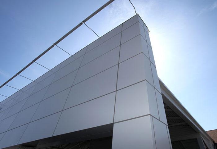 FUSION™ DRILLFREE™ PANEL SYSTEM - ALUMINUM PANEL SYSTEM+ Drill-free panel extrusion system + Easy on-site installation + 10 & 20 year paint finish warranty