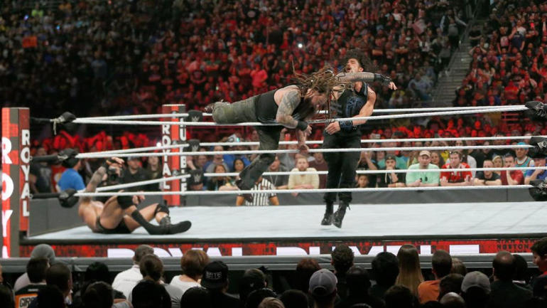 bray-wyatt-roman-reigns-royal-rumble-2017.jpg