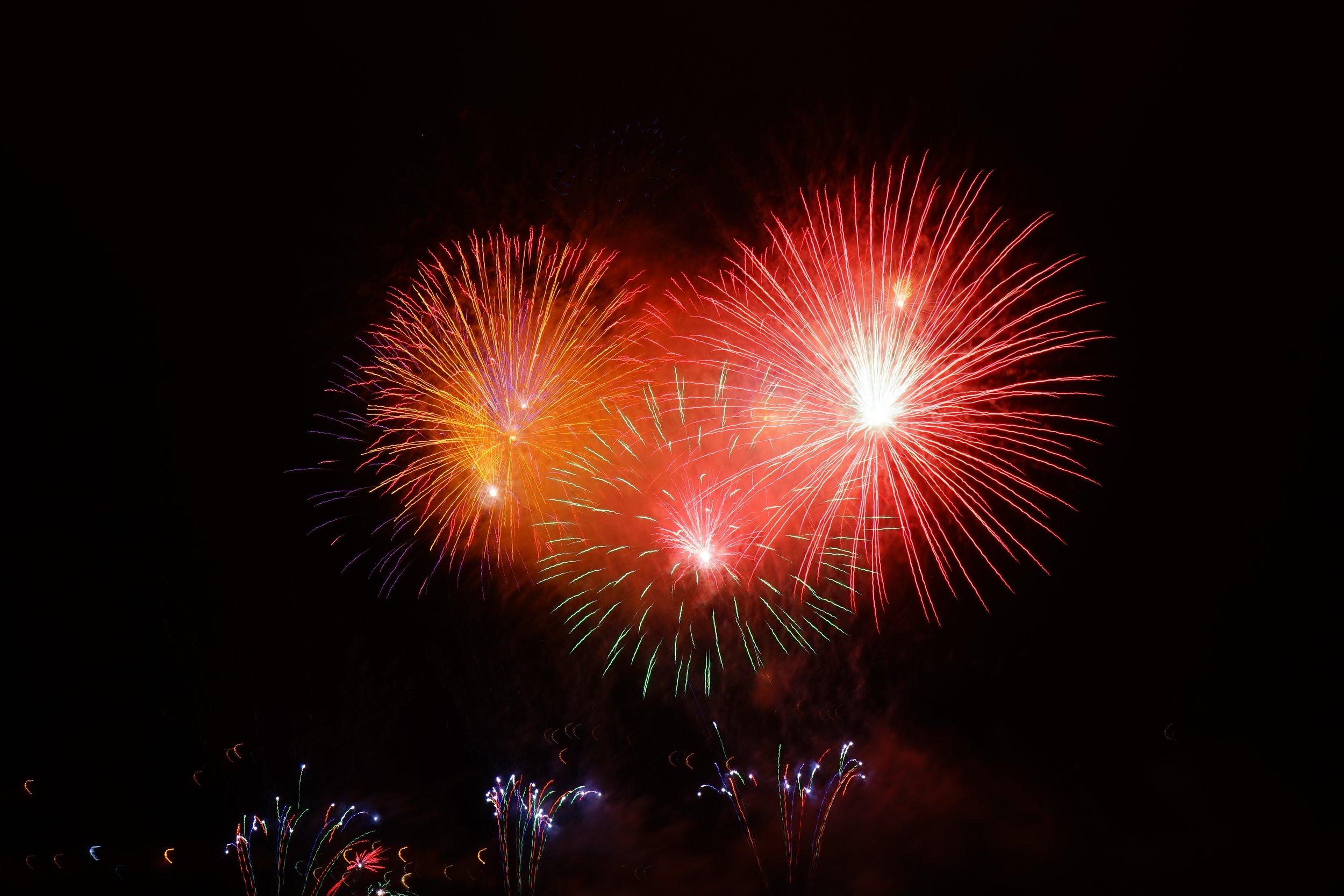 rocket-red-orange-fireworks.jpg