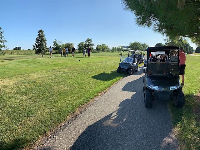 Everyone lovin' our new #yamaha carts !! Come check them out @foxridgegolfclub 🤩 #dikeiowa #golfer #foxridgegolfcourse #sundayfunday #golfer