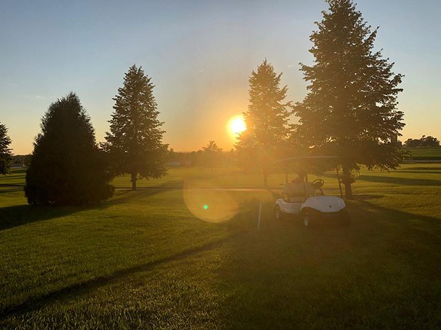 Sunday Funday! Come stop by @foxridgegolfclub 🌞⛳️ #dikeiowa #foxridgegolfcourse #golffun #golfer #sundayfunday #beautifulgolfcourses