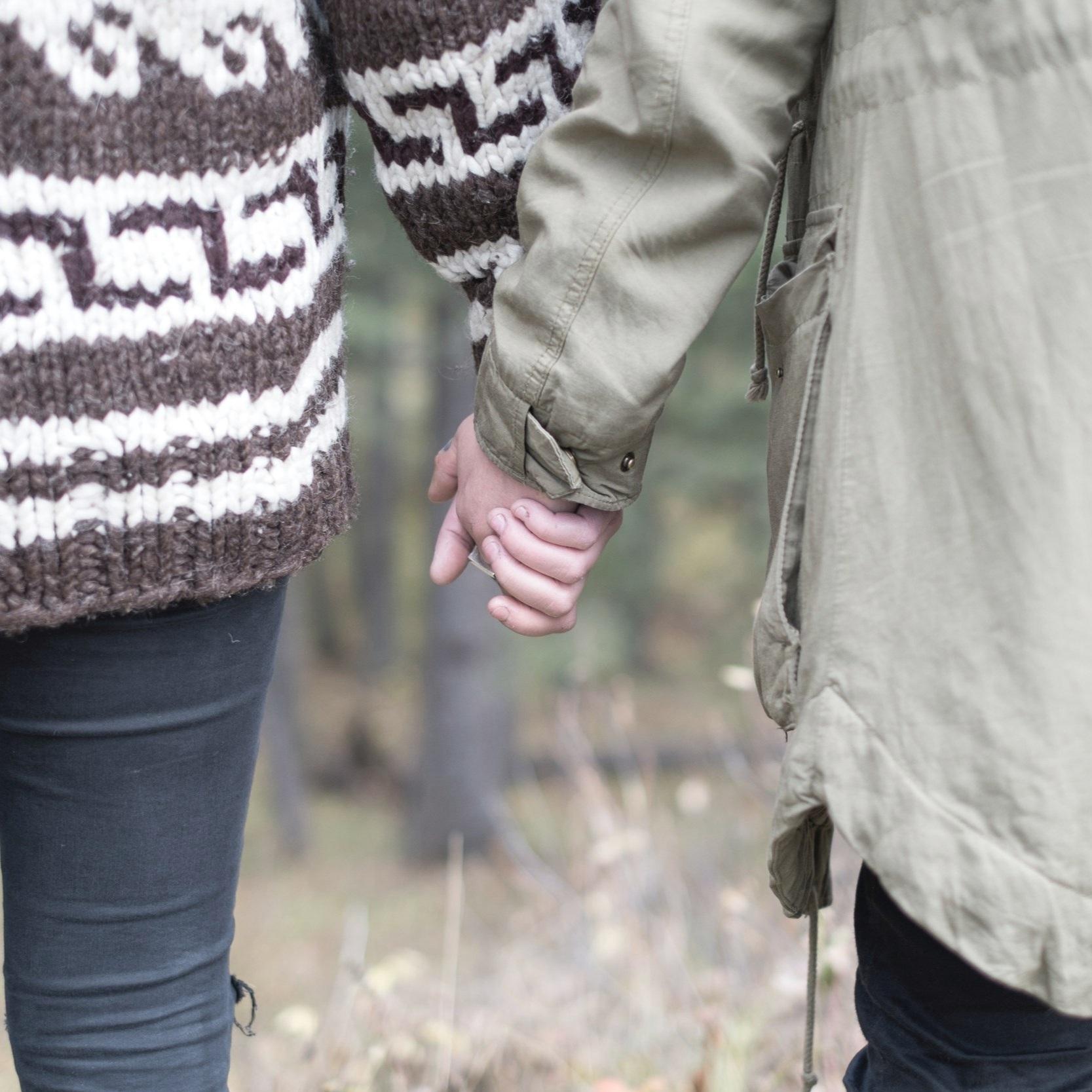 holding_hands_outside_olivejacket_jenelle-hayes-4389-unsplash.jpg