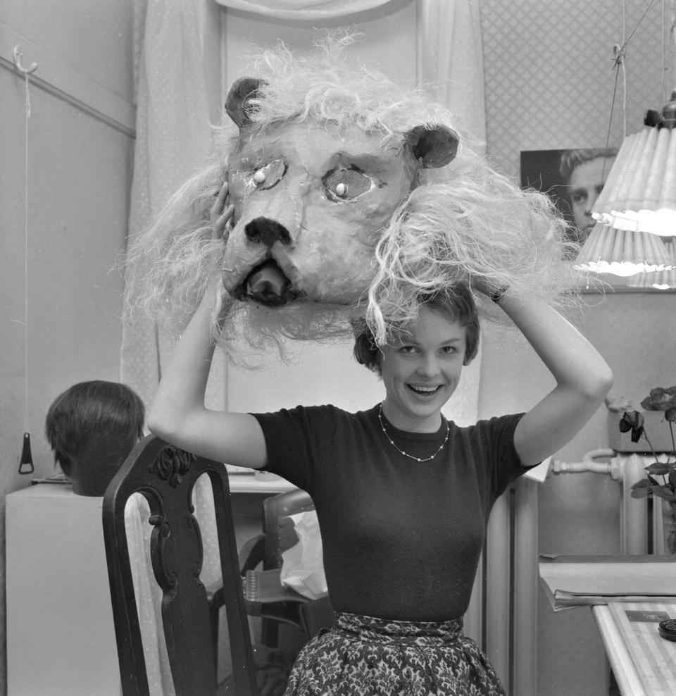 Ghita Nørby som løve.jpg