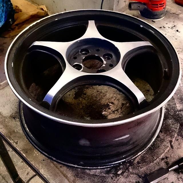 Automotive_Furniture_Wheel.jpg