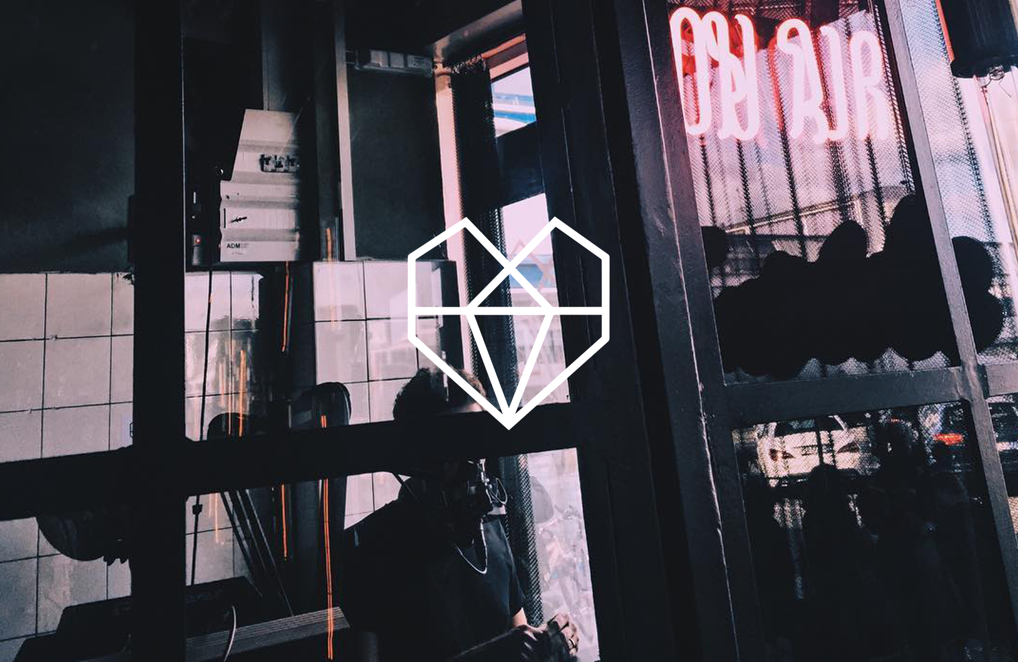 Fuhr_Studio_Brand_Identitet_Heartbeats_Case_02 (1).png