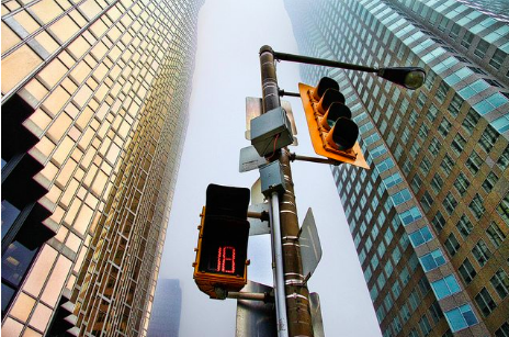 A Toronto Researcher Wants to Make Traffic Lights Smarter - A U of T academic has found a way of getting traffic lights to