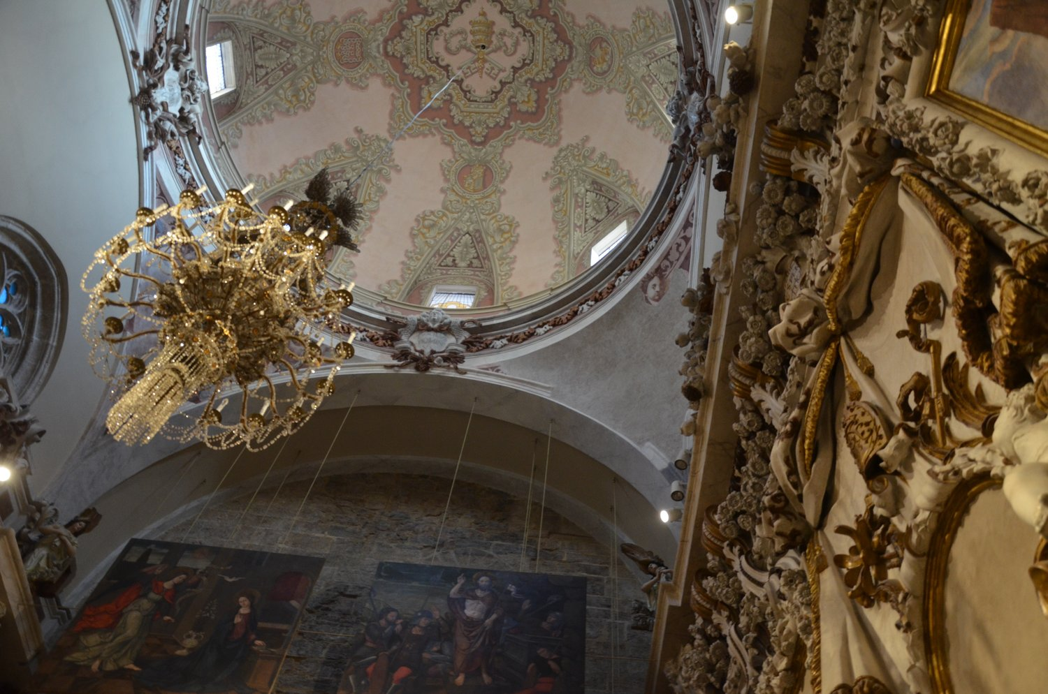 Inside the Valencia Cathedral  Below: photos from the Silk Exchange and the square