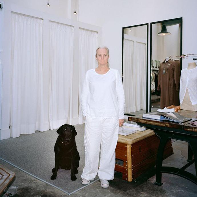 We treffen er Judith ter Haar, die als een heuse curator haar winkel startte.   Standaard Magazine