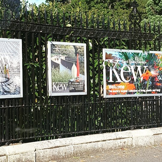 Arriving at #kew for #sculptatkew  #art #sculpture
