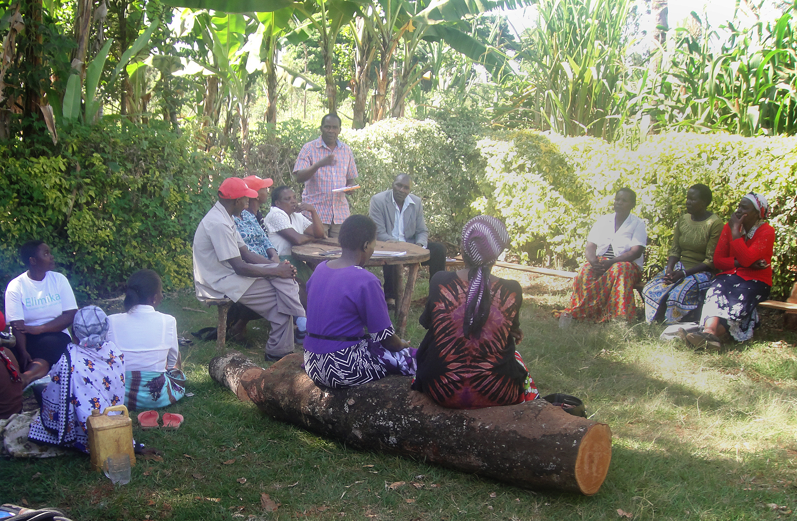 KCK CEO addressing Muthege Group in Kirubia.JPG