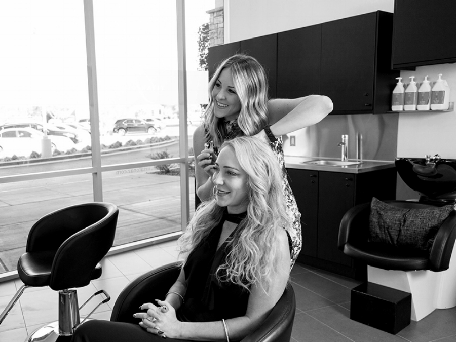 Careers - Titanium Salon is looking for creative, innovative and driven stylists. We offer free wi-fi, towel service, kickbacks on product sales, and a work space to be creatively free.Contact Lisa for more information on how to become part of our team.