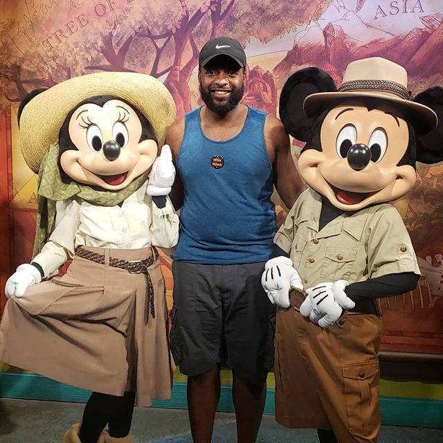 After 29 years, my childhood is complete! Finally made it to @Disney! #MoeMeetsMikeyAndMinnie #RoadTo30 #Aug29 #VirgoSeason #BdaySzn