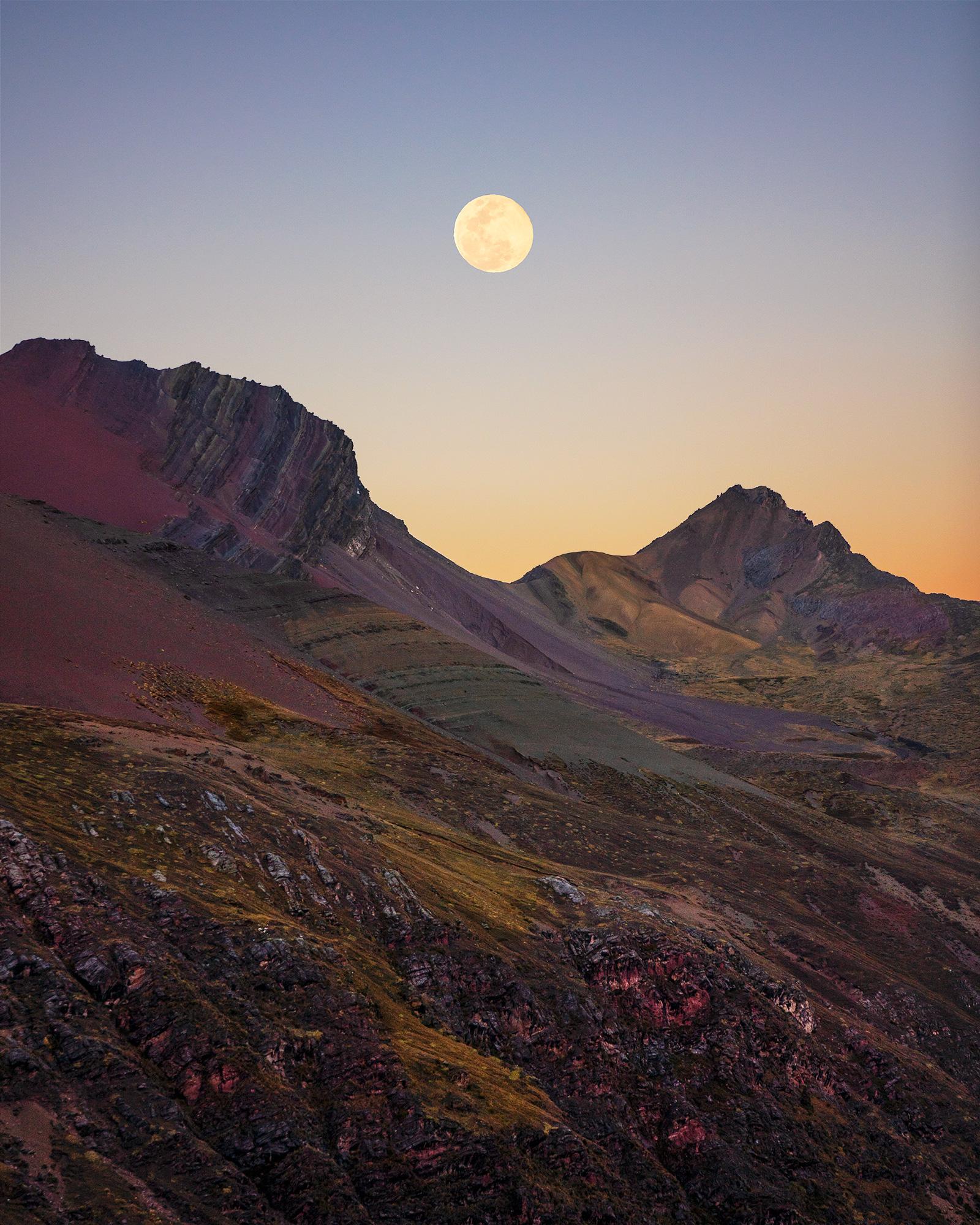 Full moon at Yanacocha Lake © Autumn Schrock