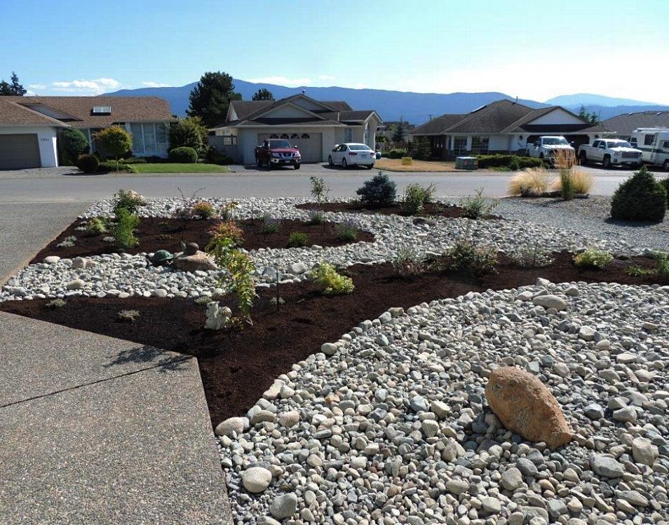 north nanaimo - mulch and river rock landscaping design 2018