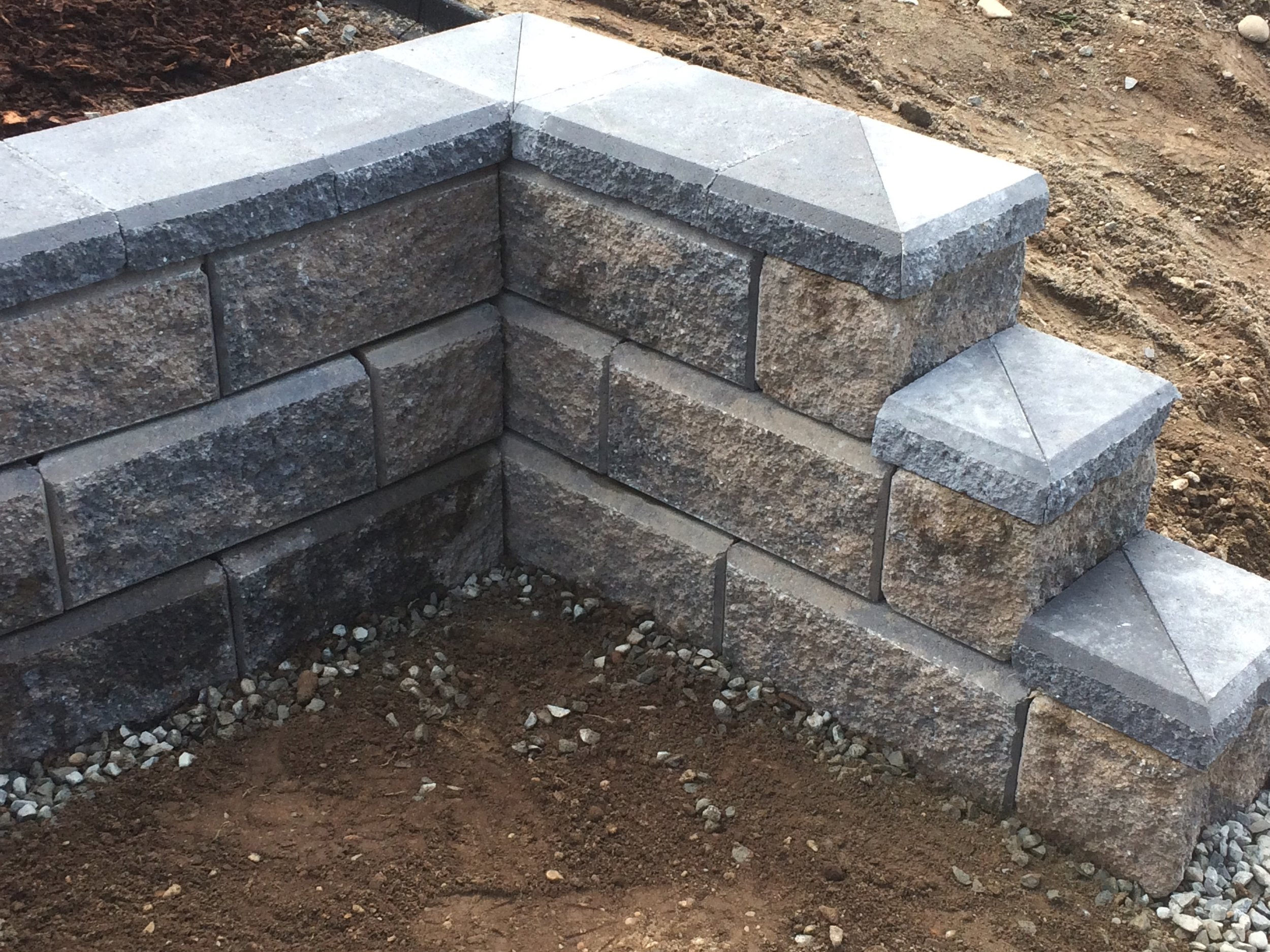 mitre corners - allan block wall - jinglepot landscaping