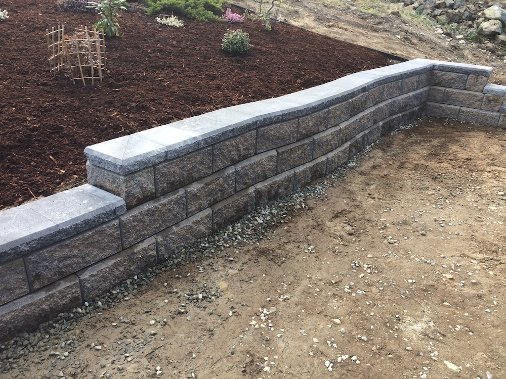 curved allan block wall - landscaping in nanaimo