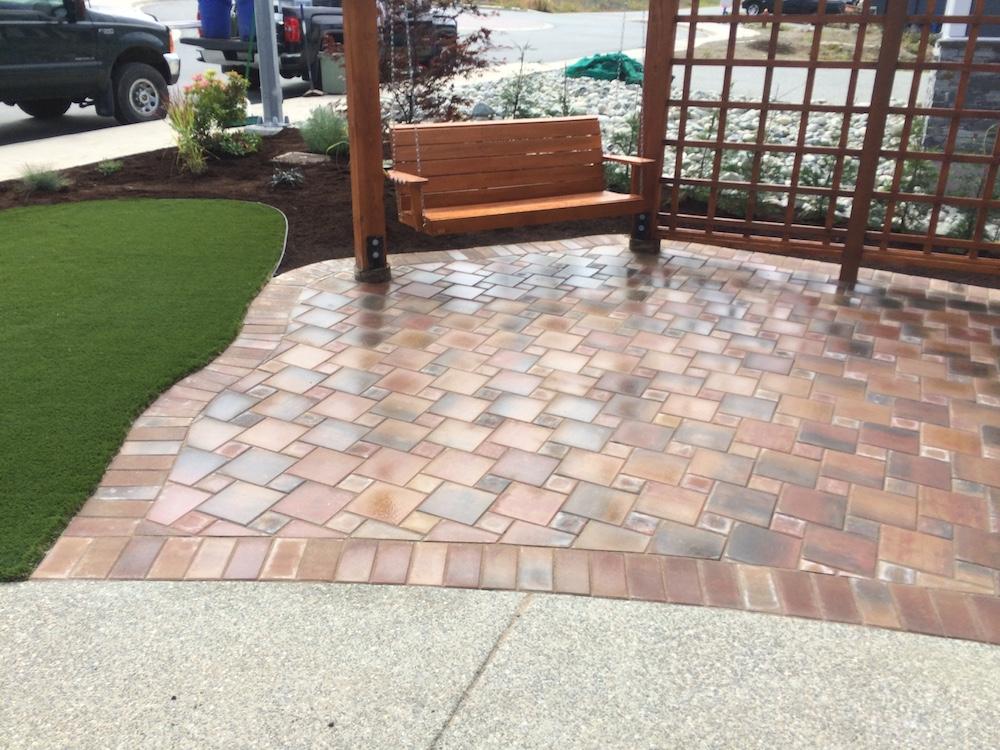 paver patio and pergola - jinglepot landscaping and irrigation - nanaimo