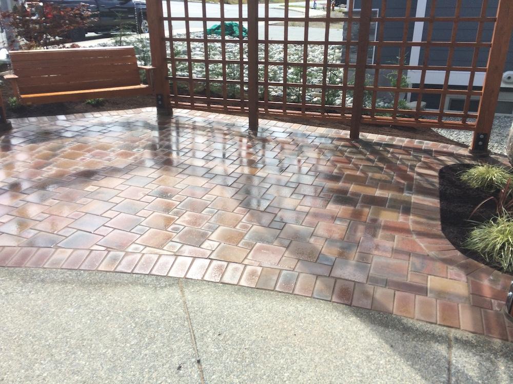 paver patio and pergola - landscapers nanaimo