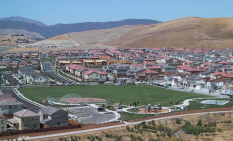 windemere - Located in Contra Costa County on the east side of San Ramon, Windemere is a 2,320 acre project with 5,170 residential units, a community college, 4 schools, 23 acres of commercial use, restored and man-made creeks, 8 miles of arterial roadway, and 4 water storage reservoirs.