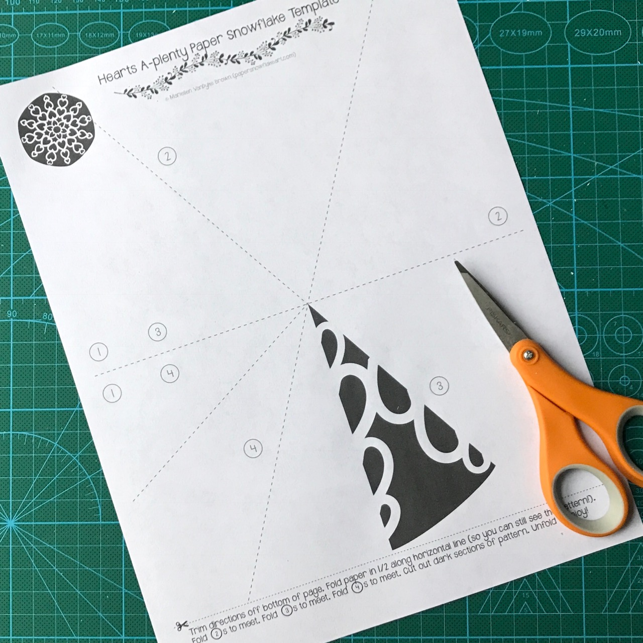 Hearts Paper Snowflake Pattern