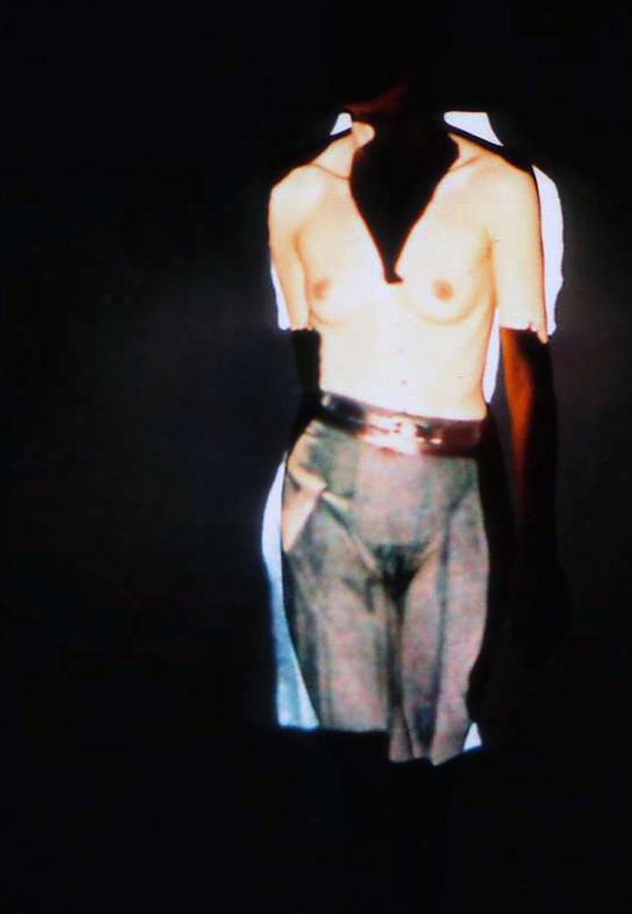 Light doll-31-jupe grise.jpg