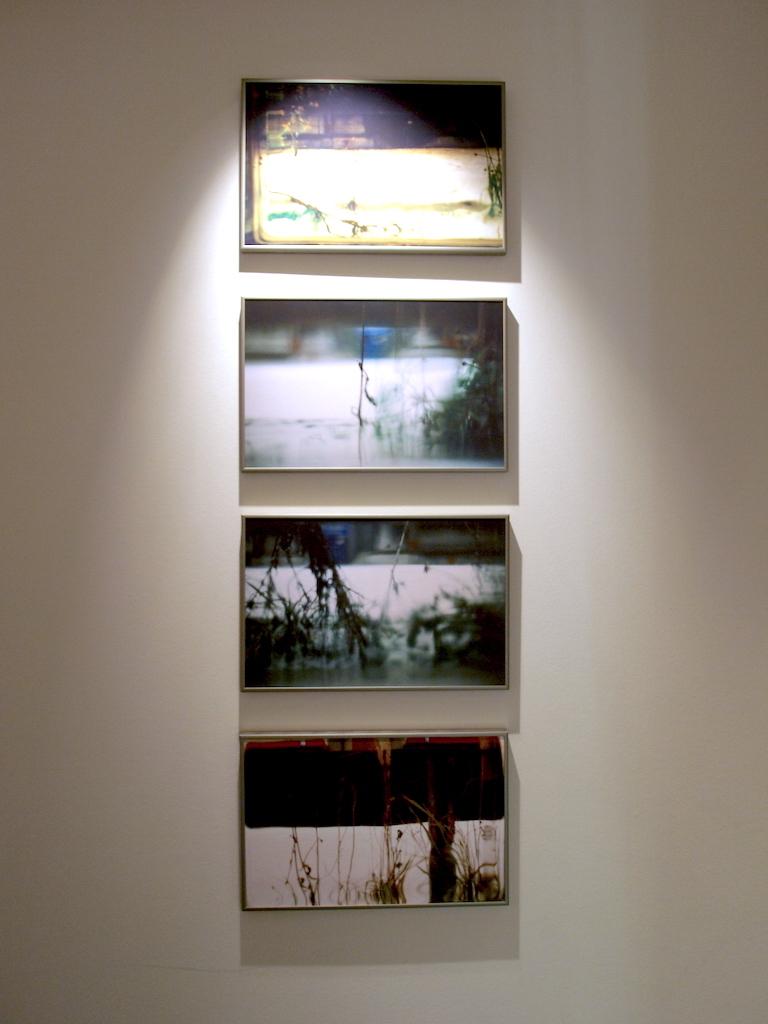 2-Tout simple ss accoudoirs--Pascale Lafay,objets photographiques-2009:10-Switzerland-2009:10.JPG