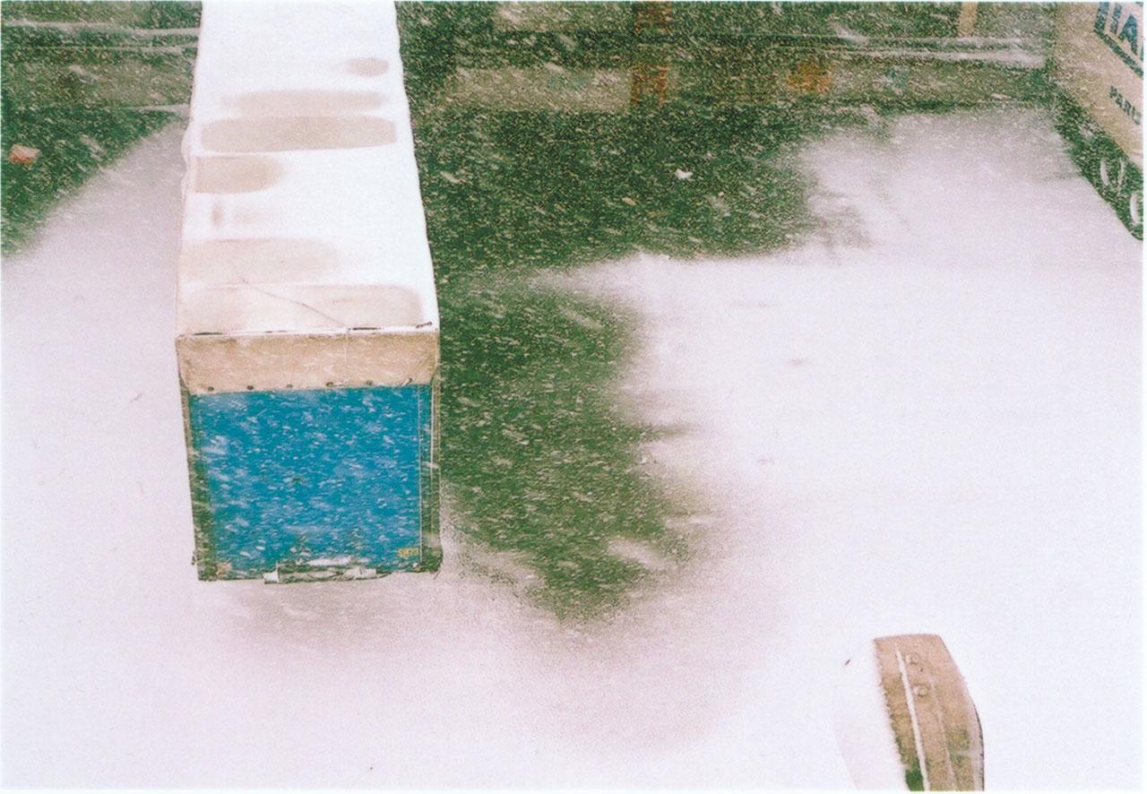 camion-2-bleu-loin.jpg