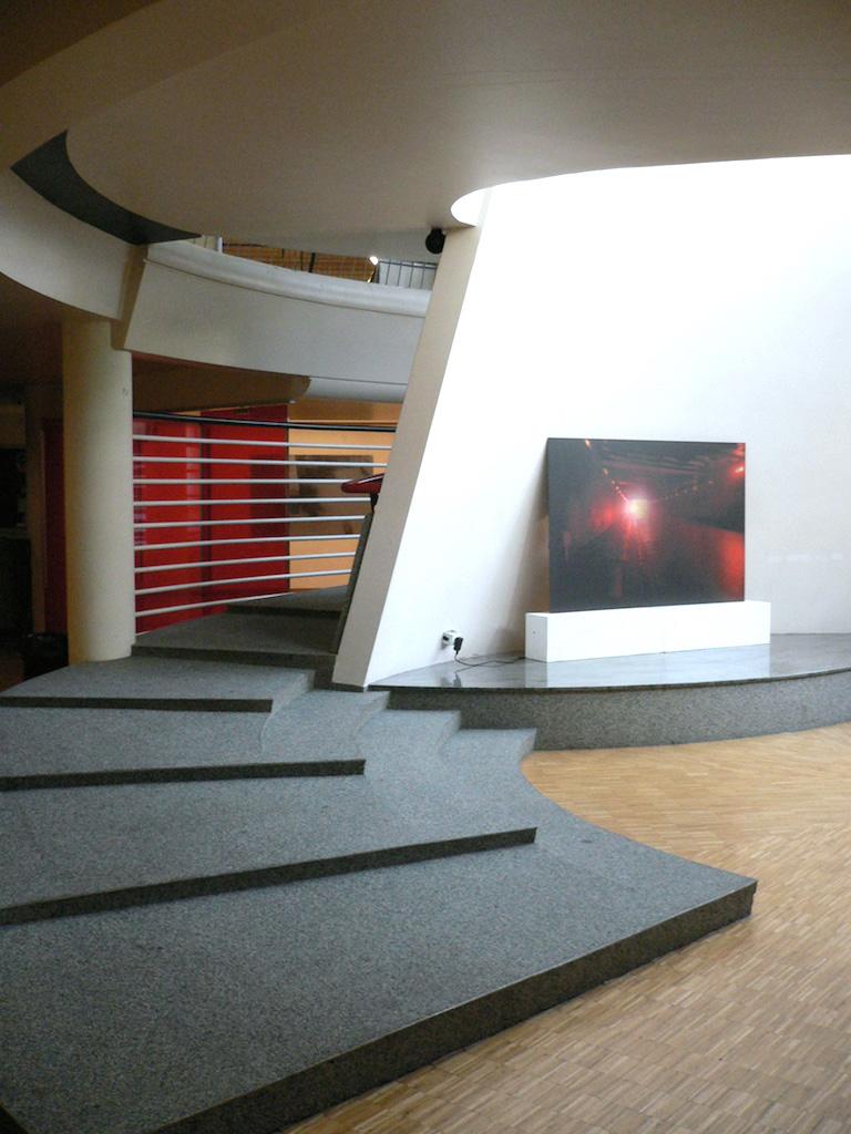 Centre culturel A.Malraux-La dimension cachée-Le Kremlin Bicetre-2007-2.JPG