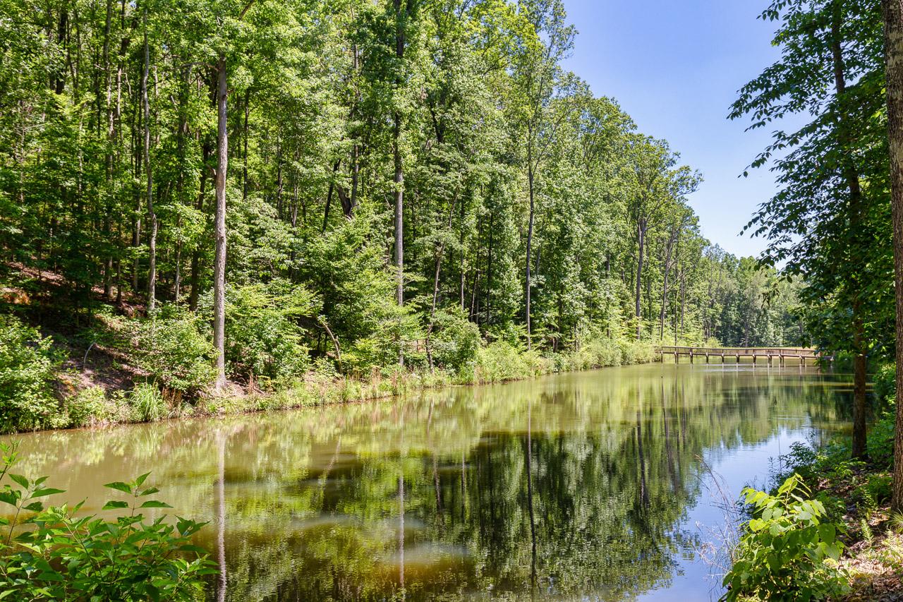 Emerald Lake-.jpg