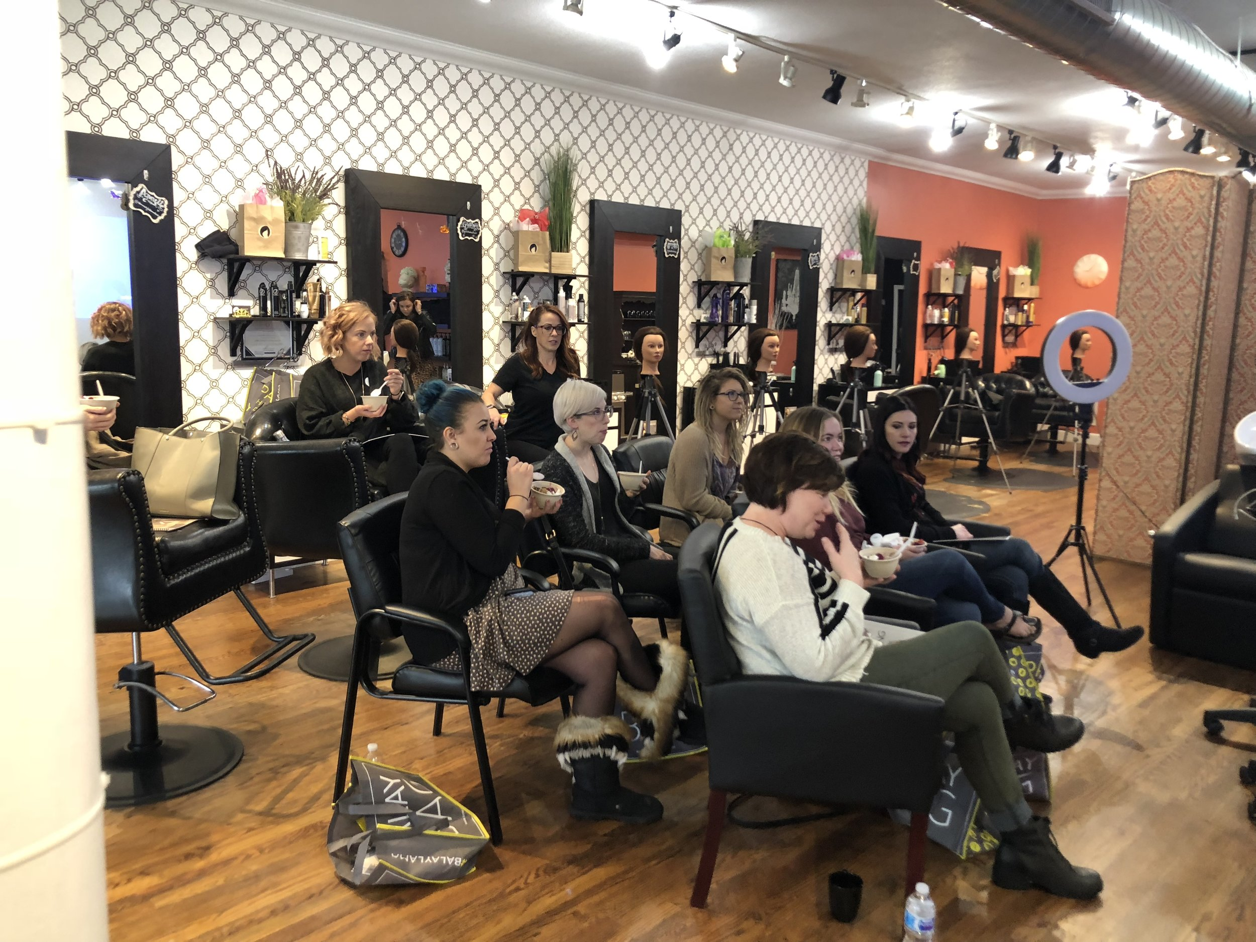 Conscious Haircoloring Class with Limitless Hairdresser