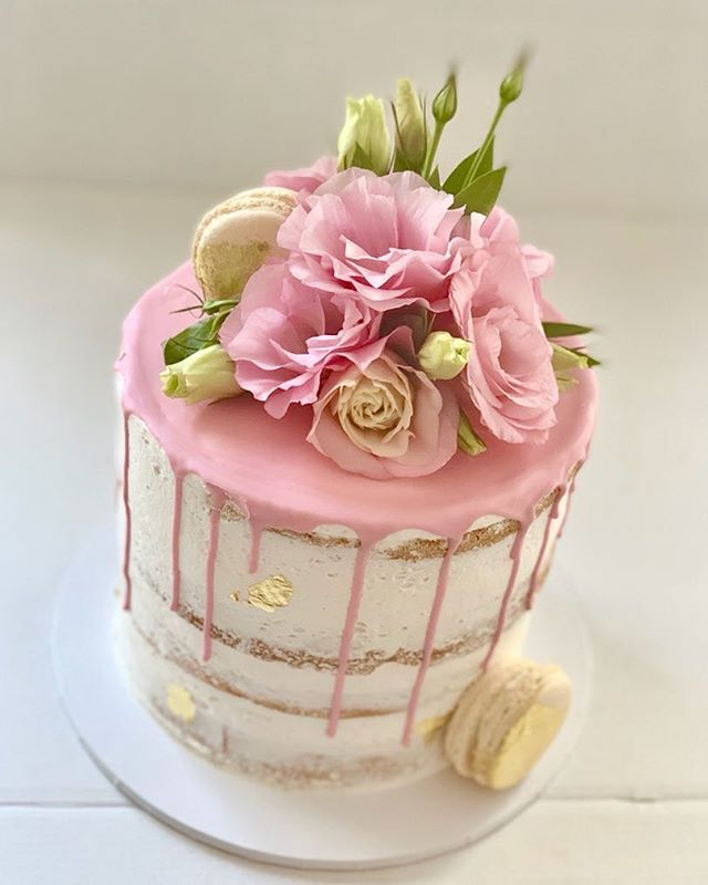 It's always a good time for cake. Vanilla butter cake  Strawberry jam and fresh cream. Order you next cake from Cake Shop Concord #naked Cake #fresh flowers #macaroons