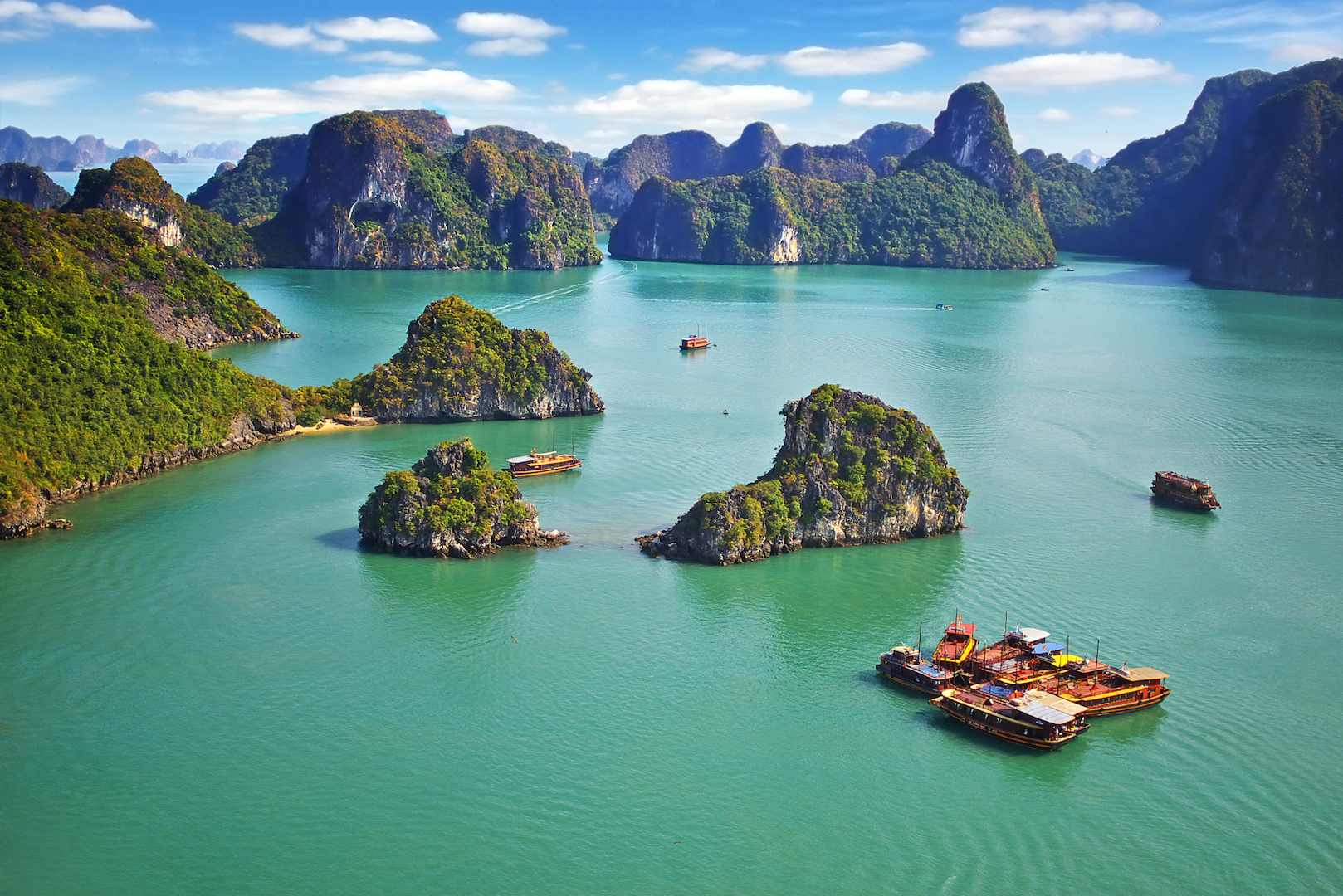 Halong views group trip for 18 to 32 year olds