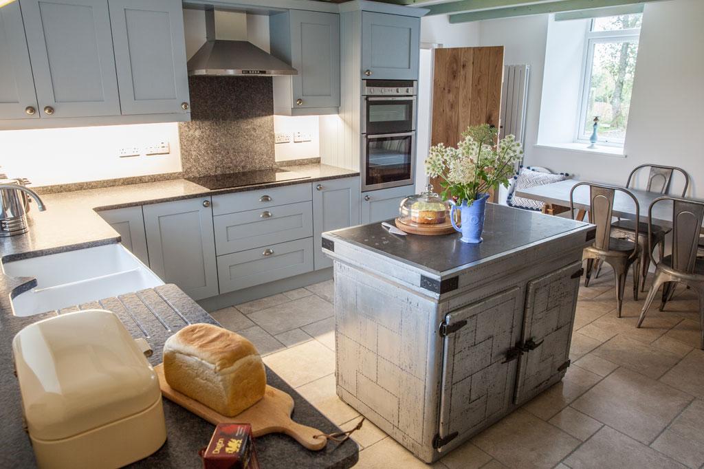 HenFelin-kitchen7.jpg