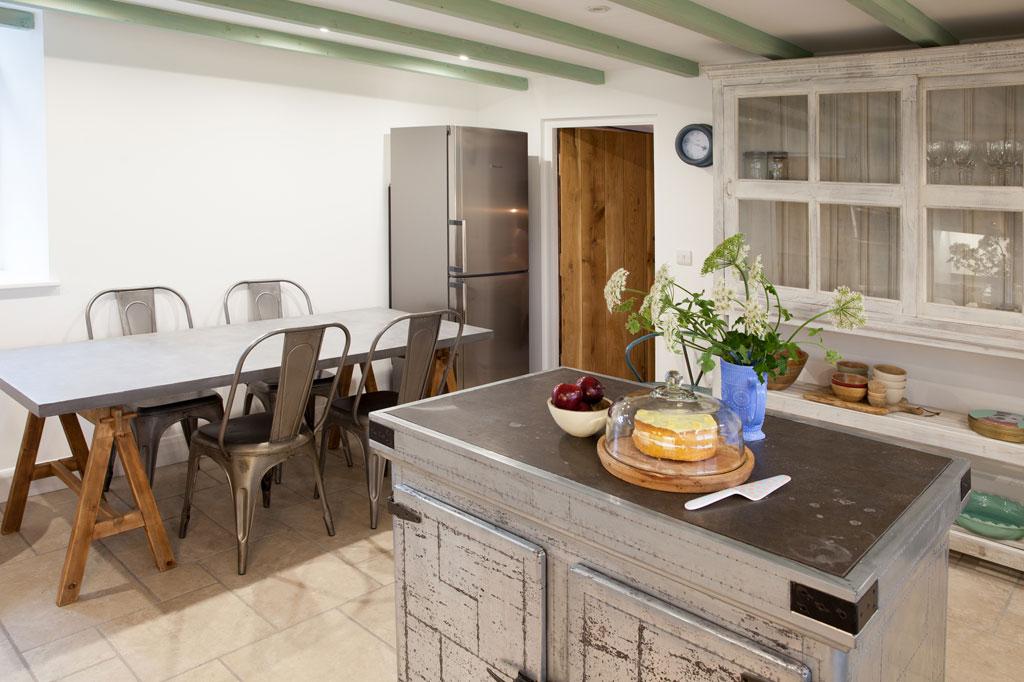 HenFelin-kitchen2.jpg