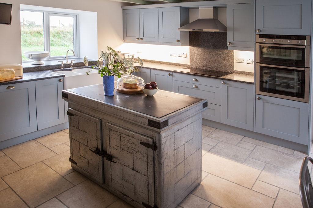 HenFelin-kitchen8.jpg