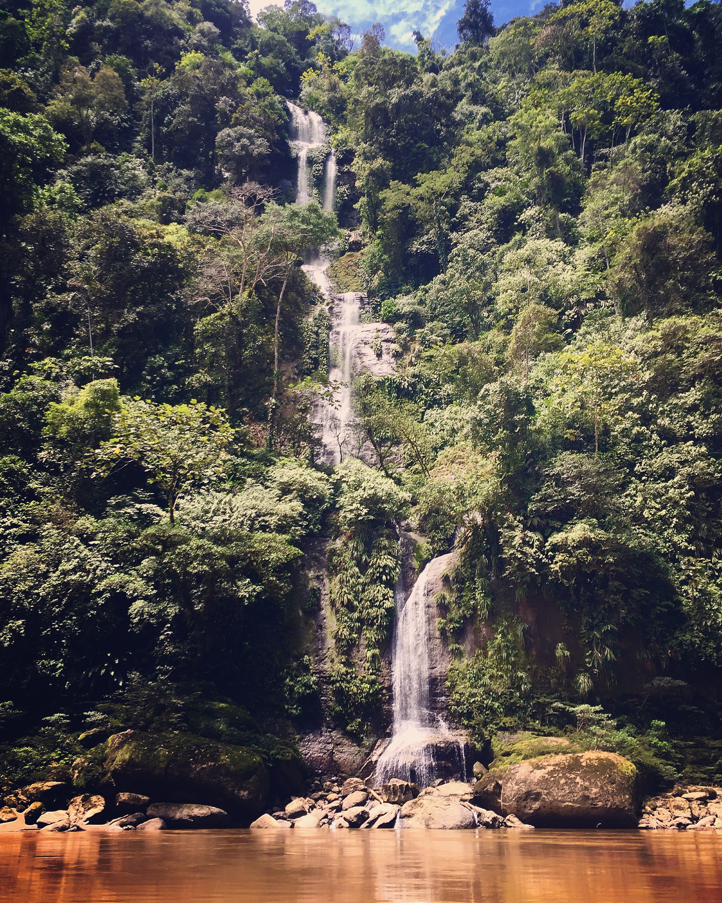 Coangos Waterfall.jpg