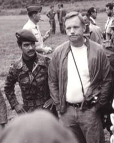 Neil_Armstrong_Tayos_1976_2.jpg