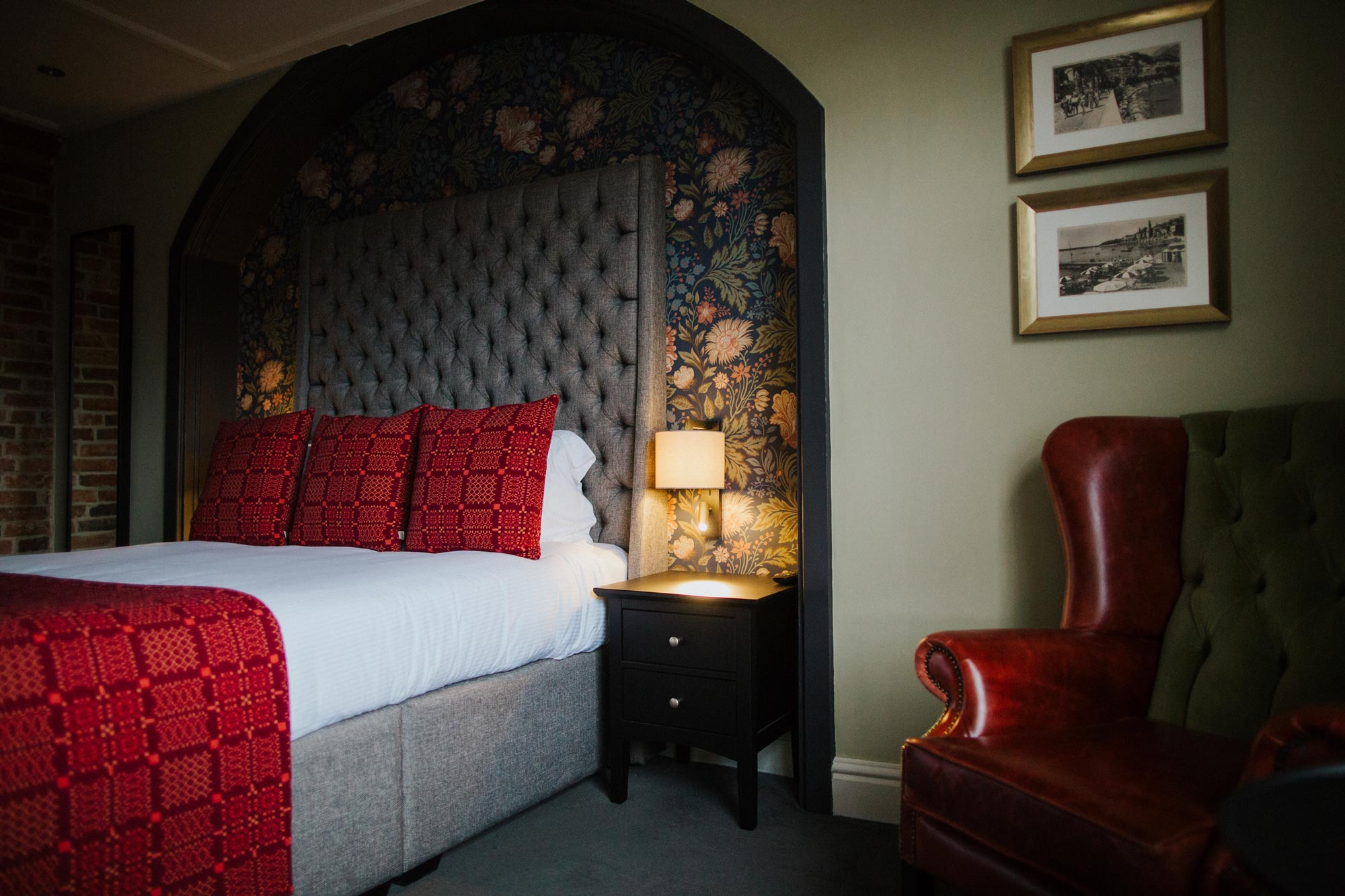 Boutique hotel room at The Globe in Warwick.jpg