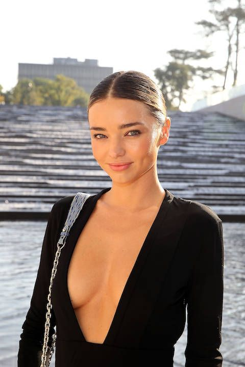 Skin muse Miranda Kerr follows a healthy diet and drinks 3 litres of water a day for her glow!