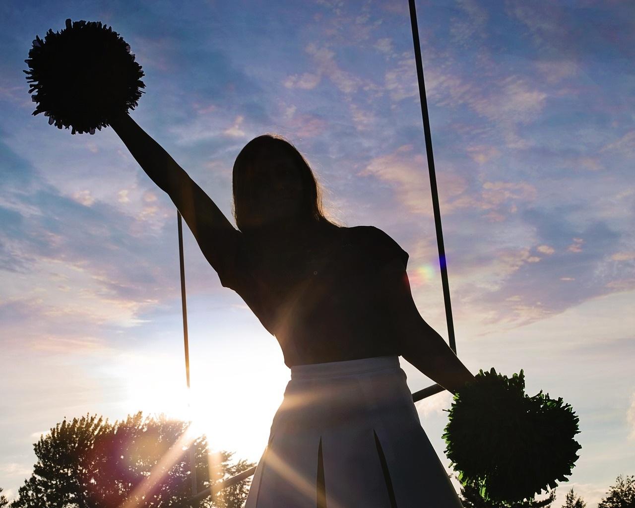 cheerleader-570839_1920.jpg
